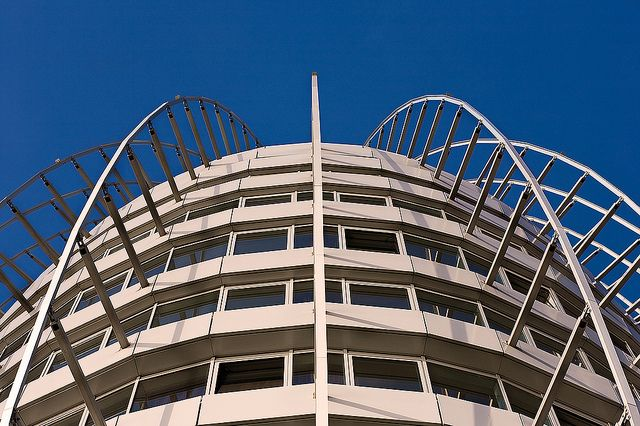 Spinne | Sail City Hotel, Bremerhaven. 1/320s f8 ISO100 EOS … | Flickr