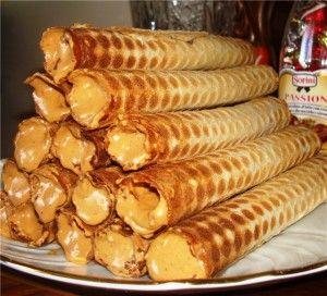 Лакомка никогда не откажется от такого десерта, как трубочки с начинкой. Трубочки со сгущенкой, рецепт которых приведен далее, готовятся ...
