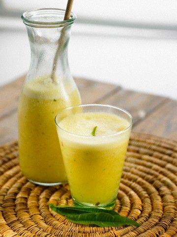 Agua Desintoxicante de Piña y Menta para Nuestro Cuerpo / Detoxifying Pineapple and Mint Water for our Body