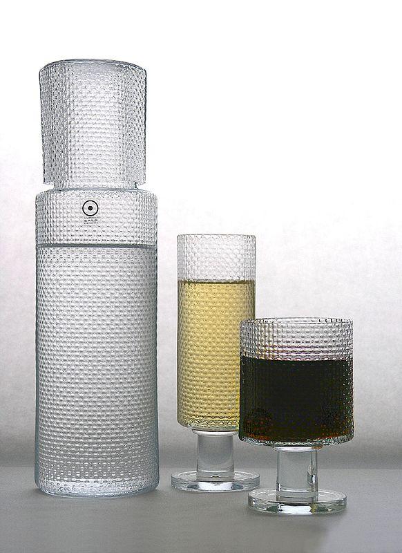 Diiva-glassware by Markku Salo. Handmade, stillmold blown.