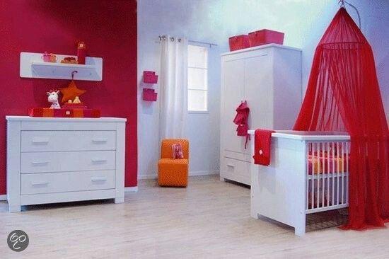 Babykamer tinten rood oranje