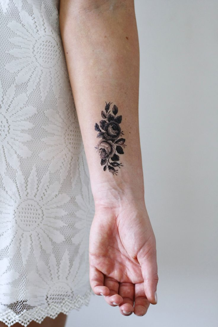 Small roses temporary tattoo - a temporary tattoo by Tattoorary