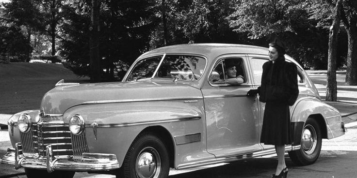 """A História do Automóvel-Um sucesso automático A General Motors divulgou a primeira transmissão automática disponível no mercado, a Hydra-Matic Drive, argumentando que era """"o maior avanço desde a partida automática"""".  Crédito da imagem: AP Photo/General Motors"""
