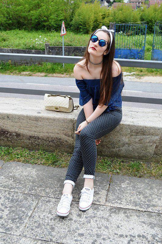 #look #luztieneunblog #2017 #offtheshoulders #cita #findesemana #entretiempo #casual #converse #primavera #trendy #clase #compras #diario #chic #verano #sport #skinnyjeans #azul #bandana #lunares #blue #azul #white #dots #spring #sumer #2017