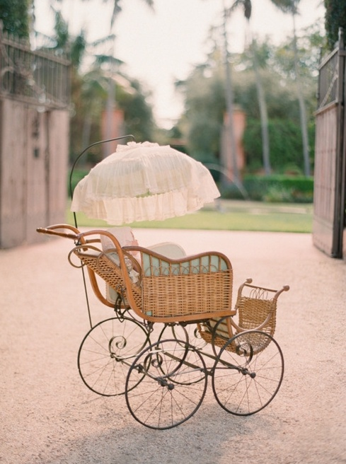 Vintage baby carriage Baby strollers, Baby carriage