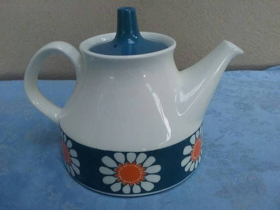 Check out this item in my Etsy shop https://www.etsy.com/au/listing/519238301/figgjo-daisy-teapot