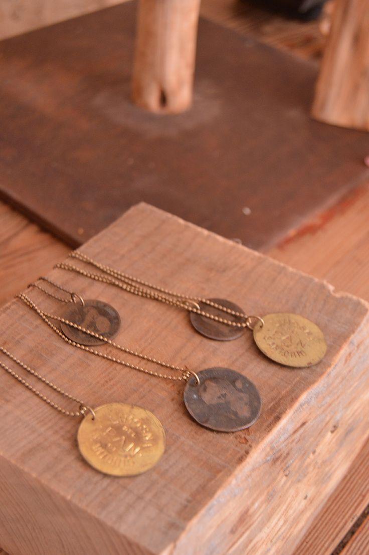 Collares Amuletos de monedas antiguas