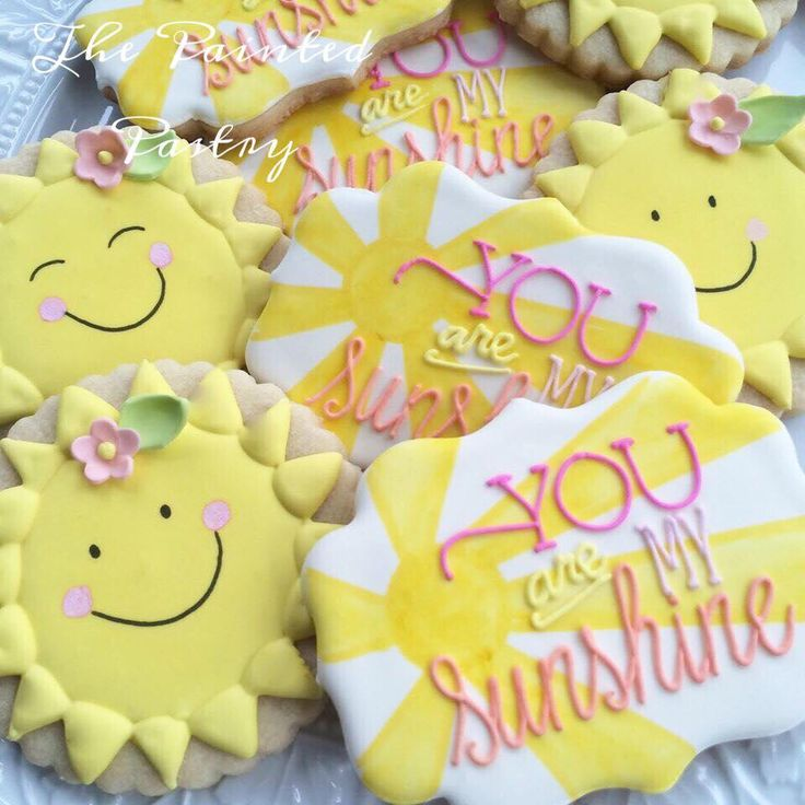 You are my Sunshine by The Painted Pastry~Can just imagine a Cellophane Treat Bag holding both of these adorable Sunshine Cookies!!!