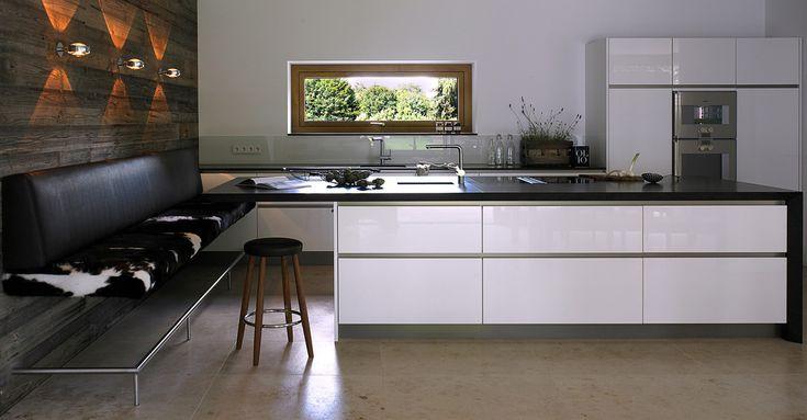 Designküche Altholz Hochglanz weiß - werkhaus küchenideen