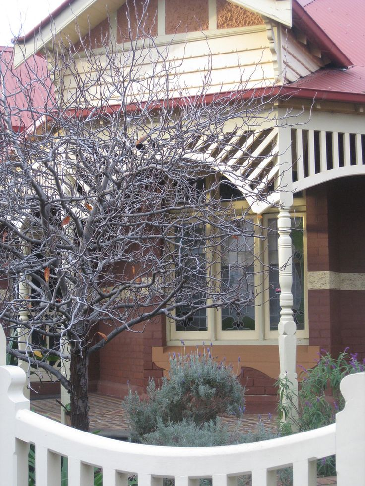 "gabled return verandah of ""Kinsale"" , Edwardian villa (1910) - Rucker's Hill, Westgarth, Victoria"