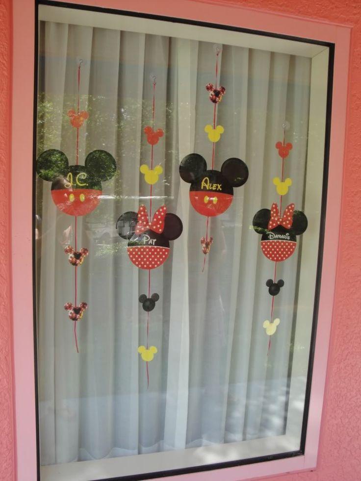 Best Disney Window Decoration Ideas On Pinterest GARLAND - Window decorating ideas
