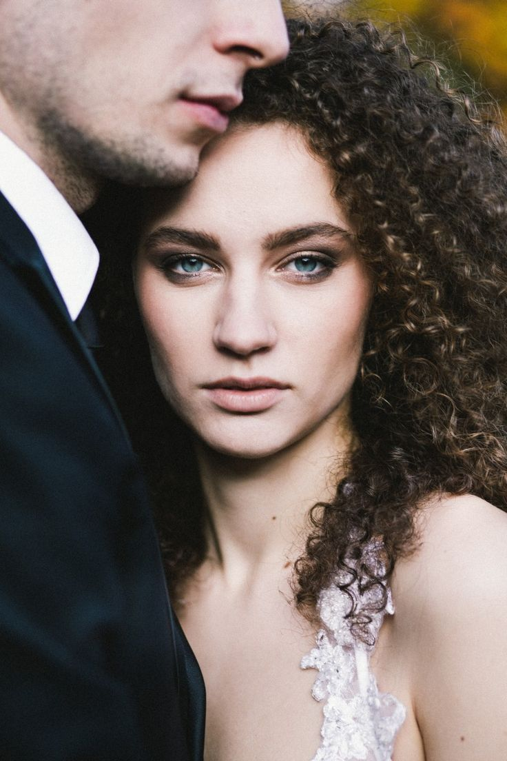by Studio Obrazkowe / #love #weddingsession #couple #groom #bride #fall #newlyweds #poland #curlyhair