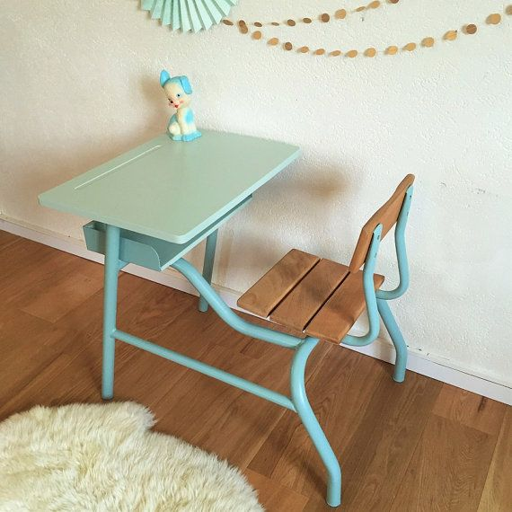 Superb mid century school desk, vintage from the 60. Functional & retro, this pretty desk will bring a Vintage and trend design to the room of