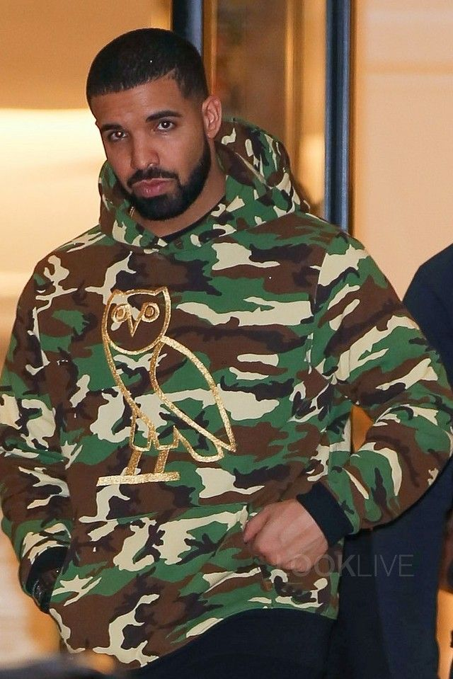 Drake is a heavy trend setting when it comes to fashion with his own clothing brand.