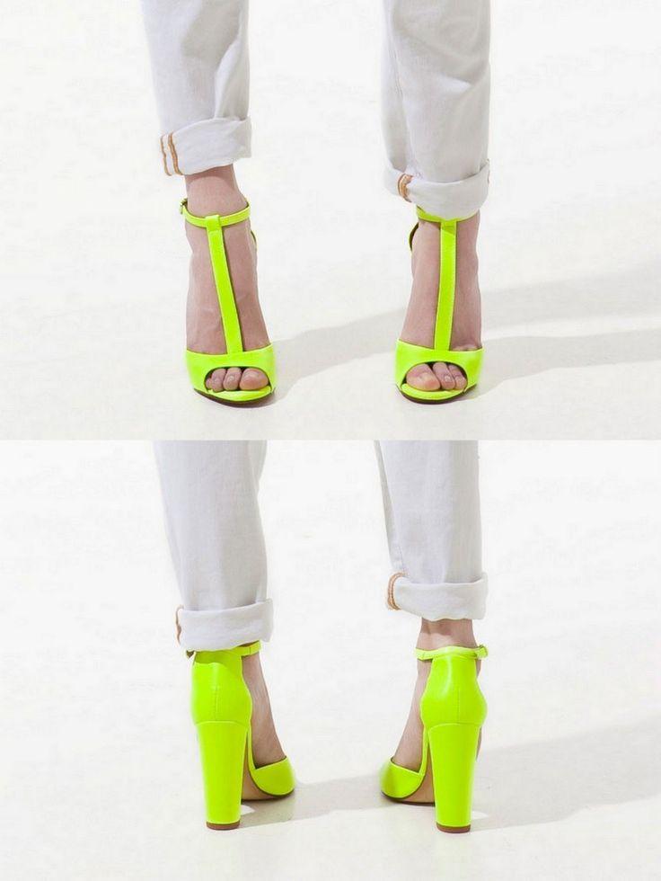 fun & sexy.: Neon Bright, Zara Neon, Neon Heels, Style, Neon High Heels, Heels Sho, Zara Shoes, Shoes Addiction, Neon Shoes