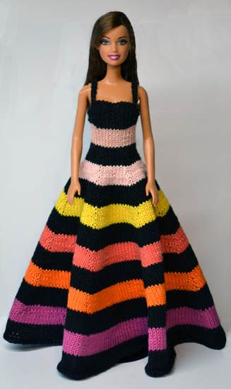 Knitted Barbie dress by Sticka till Barbie