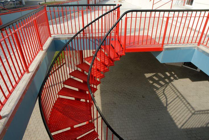 Exteriérové schodiště JAP 300e. Segmentové schodiště, stupeň - perforovaný plechový výlisek#schody#schodiště#stairsdesign#steel#stainlessrailing#stairporn#loftconversion#