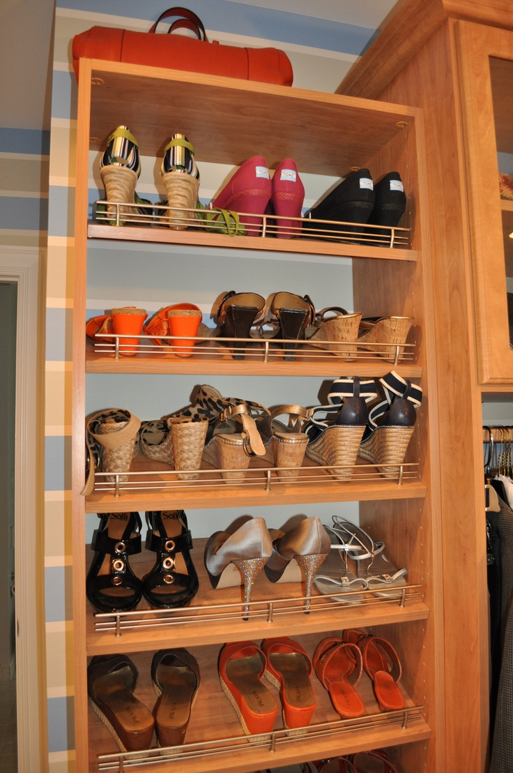 Tilted shoe shelves with fences 8 best