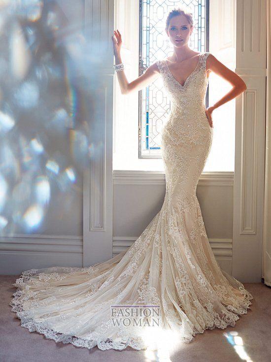 Австралийский дизайнер Sophia Tolli выпустила новую восхитительную коллекцию свадебных платьев сезона осень 2014. Коллекция включает в себя двадцать три потрясающих свадебных платья, каждое из которых подчеркивает красоту