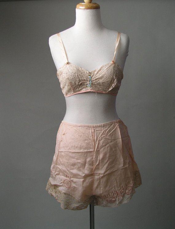 1930s Tap Panties Peach silk Lace Boudoir Bra set by LaMeowVintage ... a6c211d39