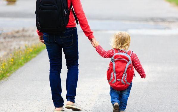 """30 въпроса, които да зададете на детето ви вместо """"Как мина денят ти?"""" - Dama.bg"""