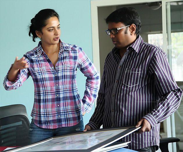 Anushka @ Rani Rudrama Devi Onlocation