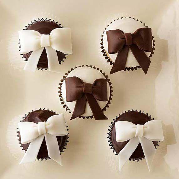 Vanilla and Chocolate Ganache Bows Cupcakes