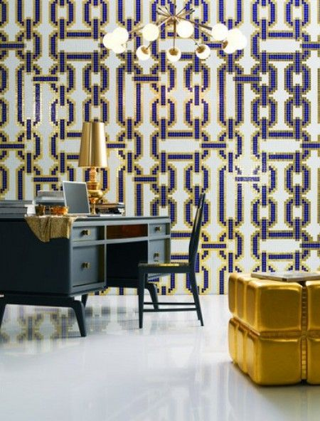The unique color scheme paired with the chain linked wall paper add a lustrous texture and finish to this home decor. This is the ideal set up for someone who loves the art deco or midcentury modern look. #decor #design #artdeco