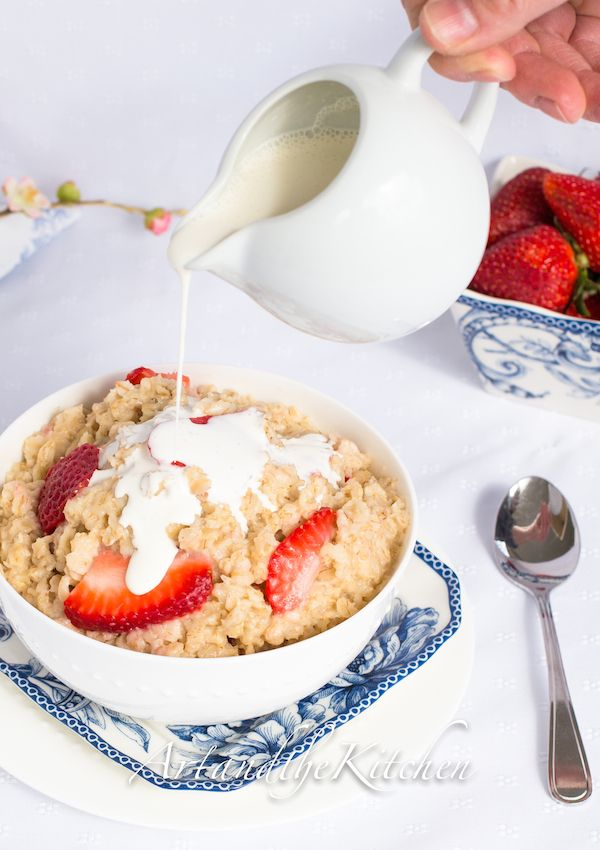 How to make perfect Strawberries and Cream Oatmeal | Art and the Kitchen