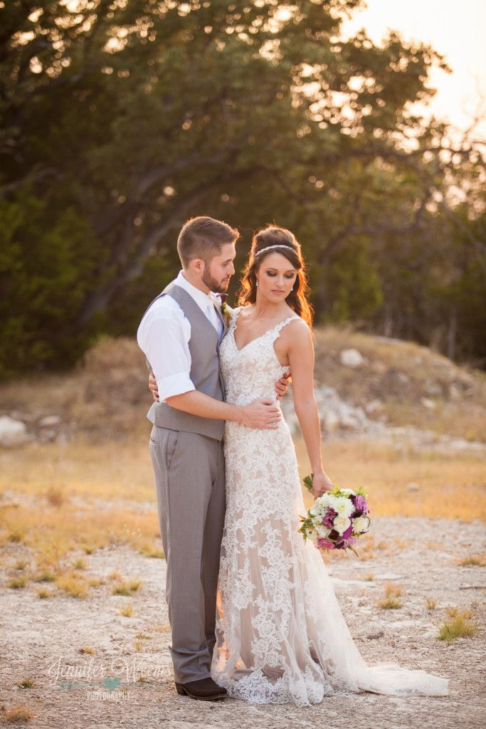 25 b sta hill country weddings id erna p pinterest for Old west wedding dresses