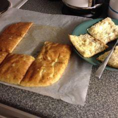 Kun aloin viljattomalle ruokavaliolle, niin oli vaikeaa löytää hyvää leivänkorviketta. Tästä leivästä pitävät kaikki! Käytän itse Semperin karkeata jauhoseosta, joka on luontaisesti gluteenitonta. Nam..! Gluteeniton, sokeriton, kasvisruoka, vähähiilihydraattinen, vähärasvainen. Reseptiä katsottu 11522 kertaa. Reseptin tekijä: bonyhad.