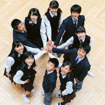 ¿Sabes por qué los alumnos japoneses son tan educados y obedientes?