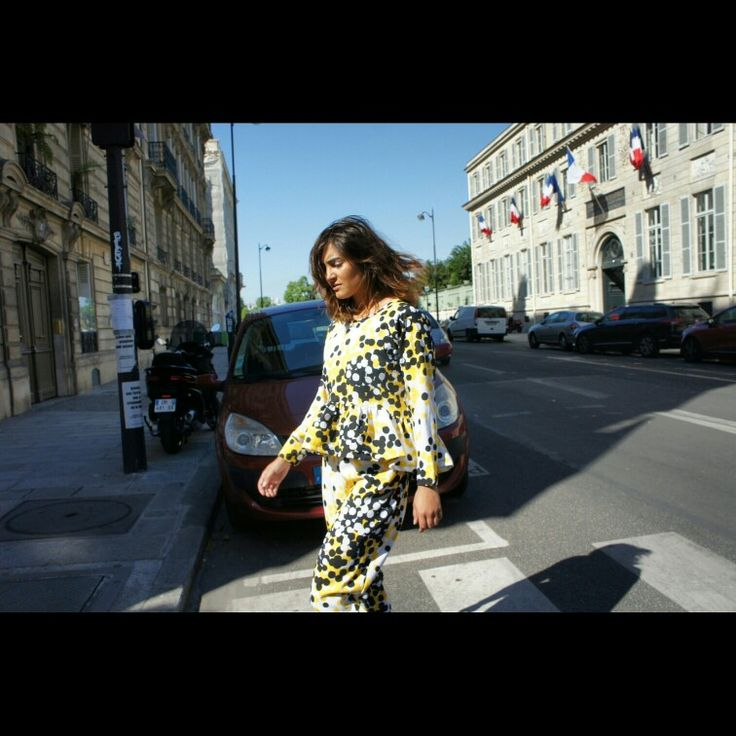 Walking in Paris in polkadots combinate top and pant