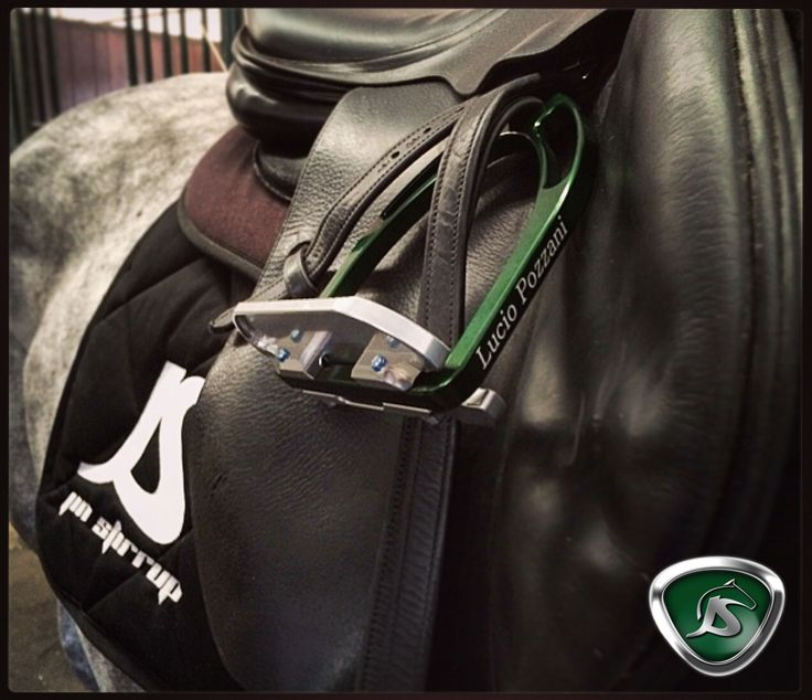 Lucio Pozzani, a rider for Jin Stirrup! He has green and silver Jin Stirrup? What do you think about this combination? Is it very beautiful?