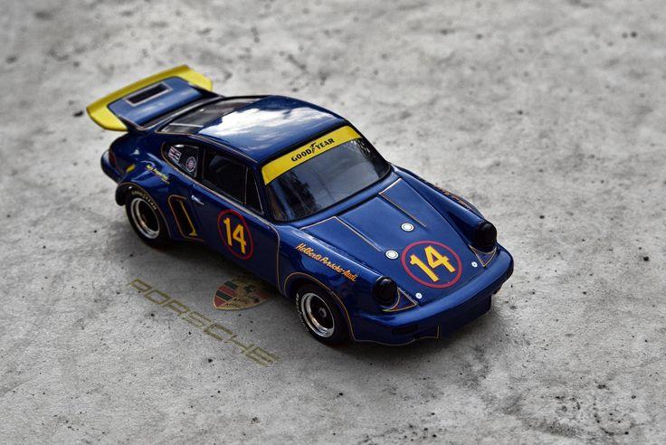 Porsche 911 RSR 3.0  Diecast Minichamps 1:43