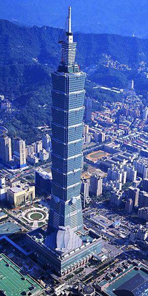 """Taipei 101 in Taiwan ----------------------------------------------- Am 14. Februar 2003 wurde das """"Taipei Financial Centre"""" teilweise eröffnet, Silvester 2003/2004 vollständig. Mit 101 Stockwerken – daher auch der Spitzname Taipei 101 – war es mit 509 Metern lange Zeit das höchste Gebäude der Welt, wurde aber nun von dem Dubai-Turm abgelöst."""