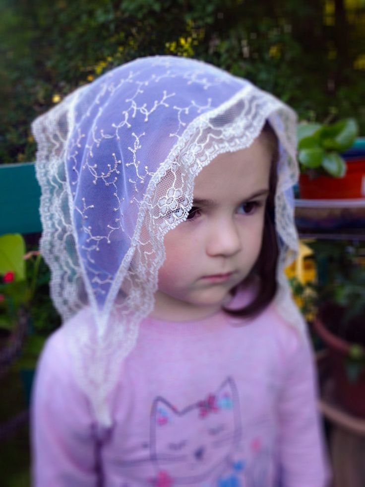 Small White Mantilla, Girls White Chapel Veil, Church Veil for Girl, Mantilla for Mass, Mantilla for Girls, Latin Mass Veil, Catholic Veil