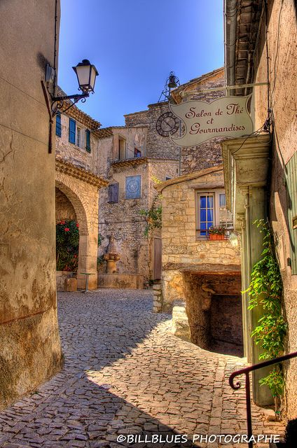 Séguret Village Provence by Billblues, via Flickr