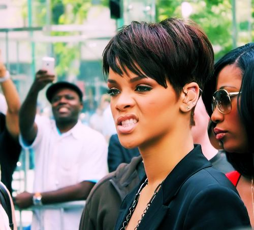 rihanna... love her hair