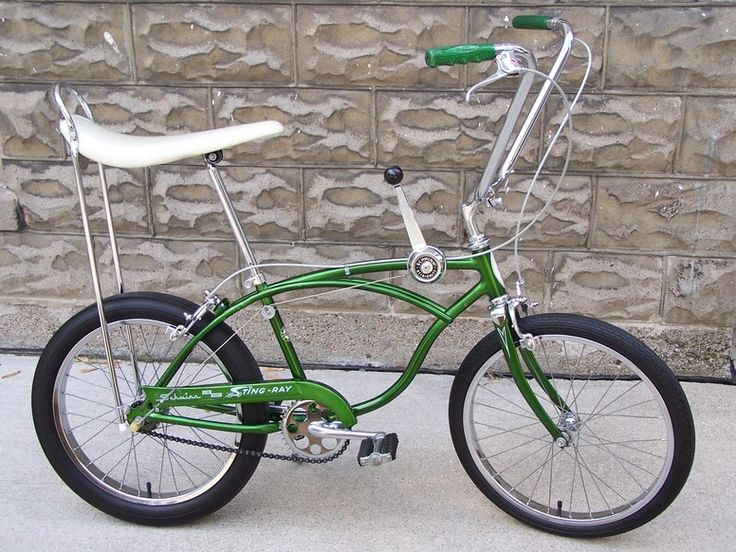 Another old bike of mine, which I miss: 1968 3-speed Sting Ray. Had this exact one.
