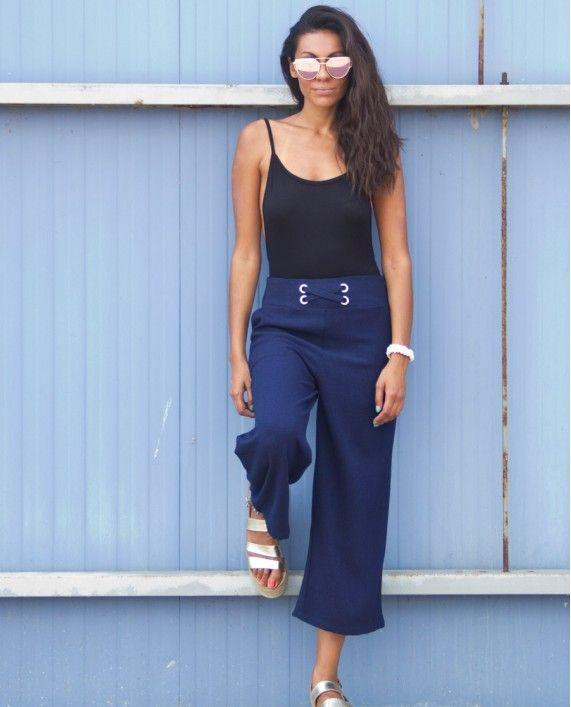 Ζιπ κιλοτ σε μπλε χρώμα υφασμάτινη ψηλόμεση | Για αγορά πατήστε πάνω στην εικόνα