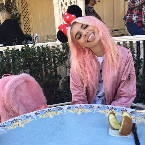 pink hair, kelsey calemine, and fatherkels image