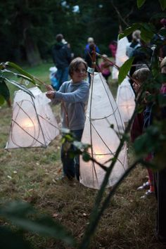 TIME FOR PLAY [ACT] Make lanterns using paper and willow and hold an autumn Lantern Parade to light up the woods. Just add a marvellous marching band [Just So Festival, UK].