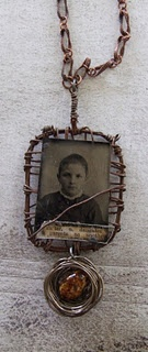.tin type: Crafts Ideas, Jewelry Necklaces, Mourning Necklaces, Types Necklaces, Assemblages Jewellery, Crafts Jewelry, Tins Types, Beads, Assemblages Jewelery