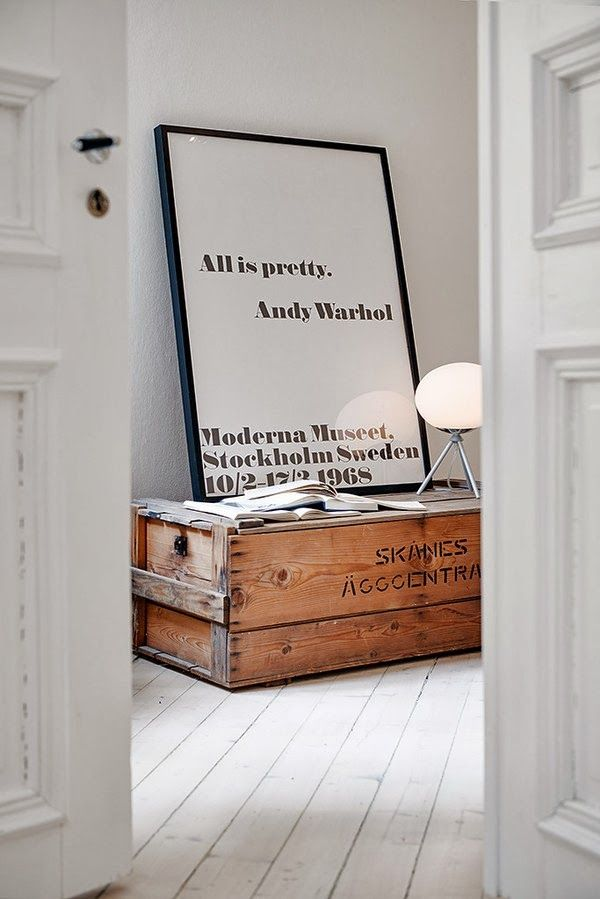 Love all about this decor - and notice the wodden box printed 'Skånes äggcentral' (i guess) so cool. (Ann / Interieor words) The Design Chaser: Black & White Prints | Friday Favourites