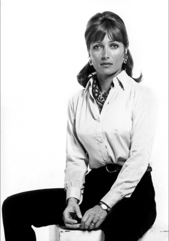 Stéphane Audran is a French film and television actress, known for her performances in award-winning movies such as Le charme discret de la bourgeoisie (1972) and Babette's Feast (1987) and in critically acclaimed films like The Big Red One (1980) and Violette Nozière (1978).