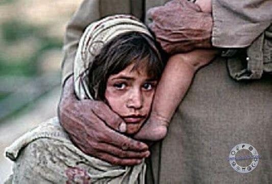 Yardım ettiğin kimsenin mahcubiyetini görmemek için yüzünü çeviriyorsan o zaman gerçekten merhametlisin Halil Cibran