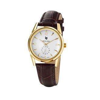 Montre LIP Himalaya 671042Le boitier de cette montre LIP Himalaya est en acier doré. Son Bracelet est en cuir marron effet croco. La cardan est de fond beige avec des index triangulaires en relief. Sobre et intemporelle, cette montre à l'allure très masculine plaira aux hommes aimant les bijoux de qualité.