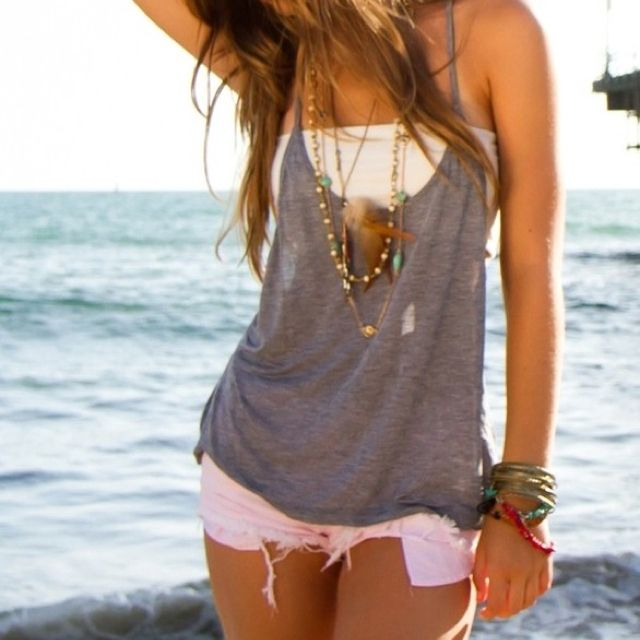 bandeaus + tank tops + pastel shorts/ jeans = love: Summer Fashion, Summeroutfit, Beach Outfit, Style, Dream Closet, Spring Summer, Summer Outfits
