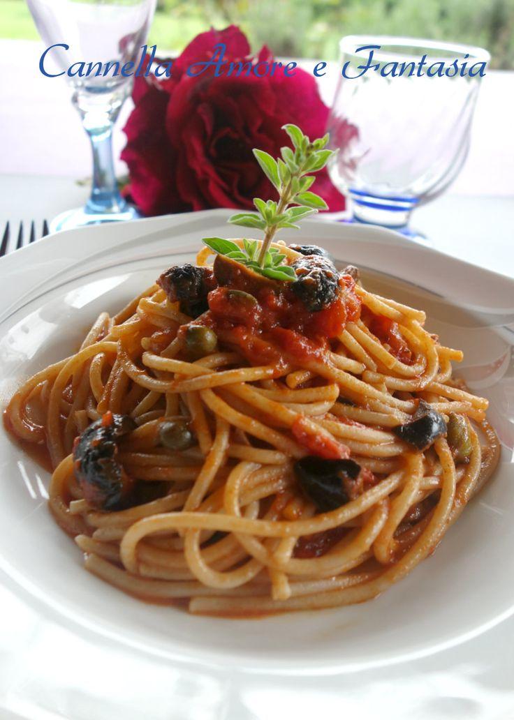 Spaghetti con sugo alla siciliana